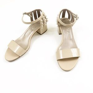 AGL Nude Cream Patent Leather Heels with Pearls